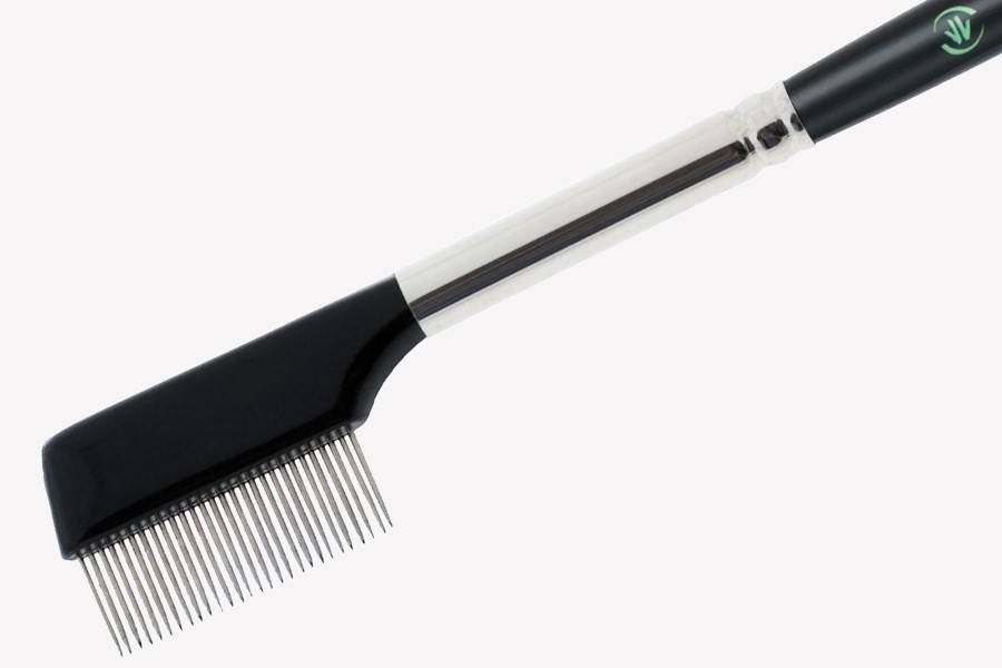 Understated Beauty Tool: The Metal Eyelash Comb!