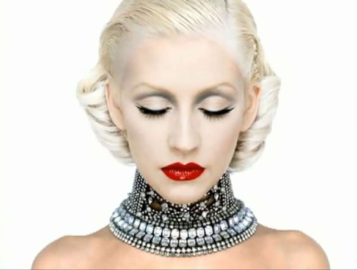 Christina-Aguilera-s-Bionic-Leaks-in-Full-2