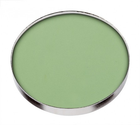 462 std1 How To: Neutralize Redness with Green Concealer