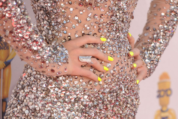 Katy Perry Yellow Nails MTV