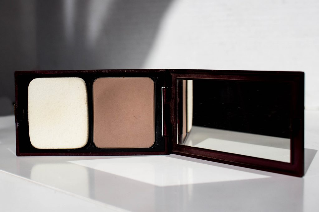 Kevyn Aucoin Sculpting Powder : Contour Your Nose