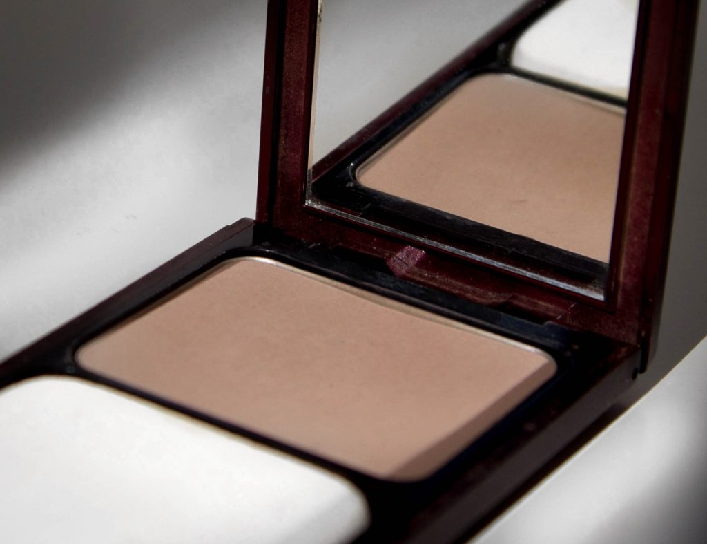 Kevyn Aucoin Sculpting Powder Review