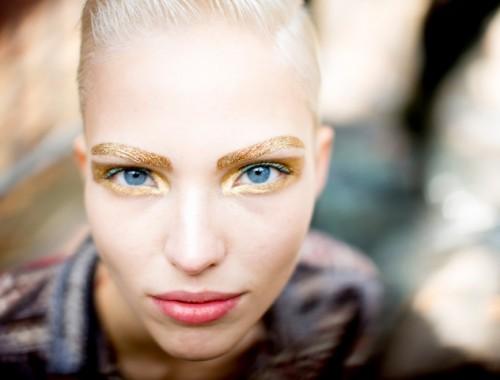 Gold Eyebrows / Gold Eyeshadow